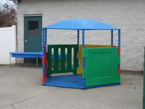 outdoor-playhouse